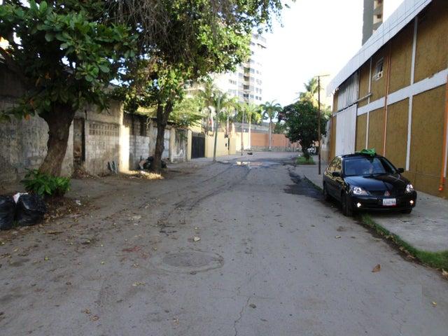 Terreno Vargas>Parroquia Caraballeda>Caribe - Venta:220.000 US Dollar - codigo: 14-12766