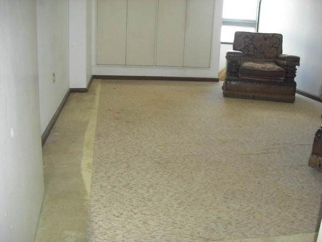 Apartamento Distrito Metropolitano>Caracas>Prado Humboldt - Venta:27.760.000.000 Bolivares Fuertes - codigo: 14-12797