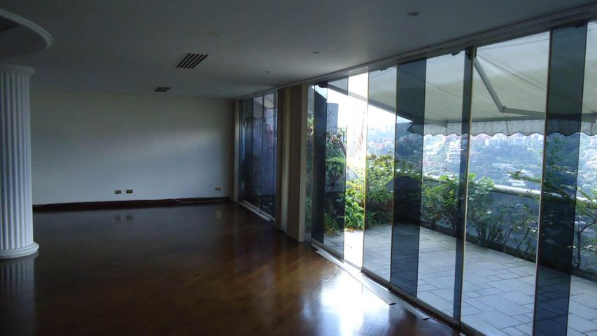 Apartamento Distrito Metropolitano>Caracas>San Roman - Alquiler:1.400.000.000 Bolivares Fuertes - codigo: 14-12928