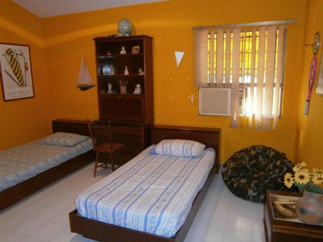 Casa Carabobo>Valencia>La Trigaleña - Venta:5.600.000.000 Bolivares - codigo: 14-12942