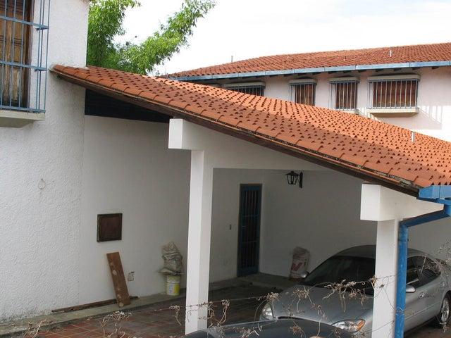 Casa Distrito Metropolitano>Caracas>Terrazas del Club Hipico - Venta:400.000 Precio Referencial - codigo: 14-12968