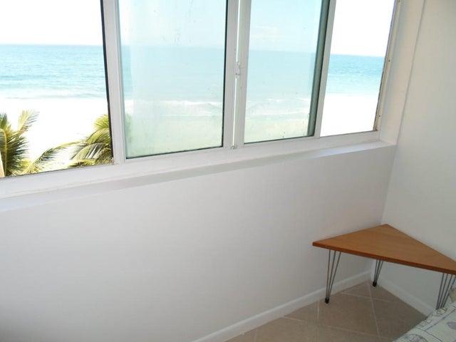 Apartamento Nueva Esparta>Margarita>Playa Parguito - Venta:104.855.000.000 Precio Referencial - codigo: 14-13324