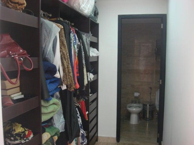Apartamento Distrito Metropolitano>Caracas>Las Mercedes - Venta:125.189.000.000 Precio Referencial - codigo: 14-13328