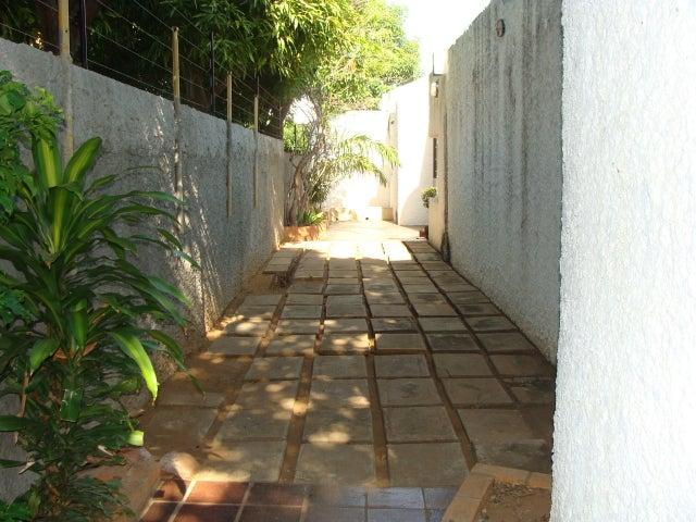 Casa Zulia>Maracaibo>La Lago - Venta:263.324.000.000 Precio Referencial - codigo: 14-13378