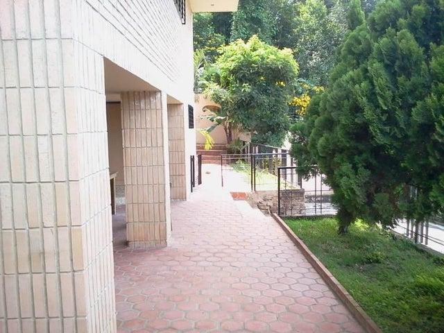 Casa Distrito Metropolitano>Caracas>La Union - Venta:23.076.000.000 Bolivares - codigo: 14-13400