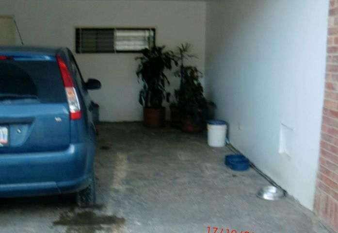 Casa Distrito Metropolitano>Caracas>Loma Larga - Venta:90.234.000.000 Bolivares - codigo: 14-13410