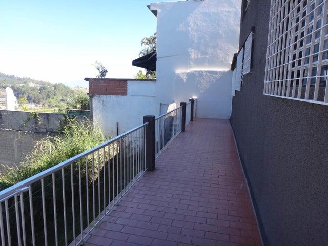 Casa Miranda>San Antonio de los Altos>Los Castores - Venta:119.748.000.000 Precio Referencial - codigo: 14-13420