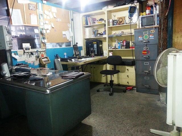 Local Comercial Distrito Metropolitano>Caracas>La Paz - Venta:120.000 Precio Referencial - codigo: 14-13464