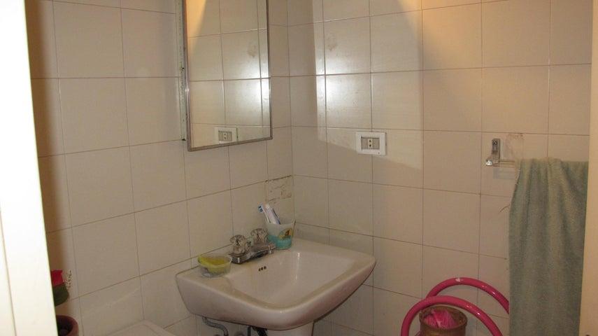 Apartamento Distrito Metropolitano>Caracas>Sector El Arroyo - Venta:349.517.000.000 Precio Referencial - codigo: 14-13504