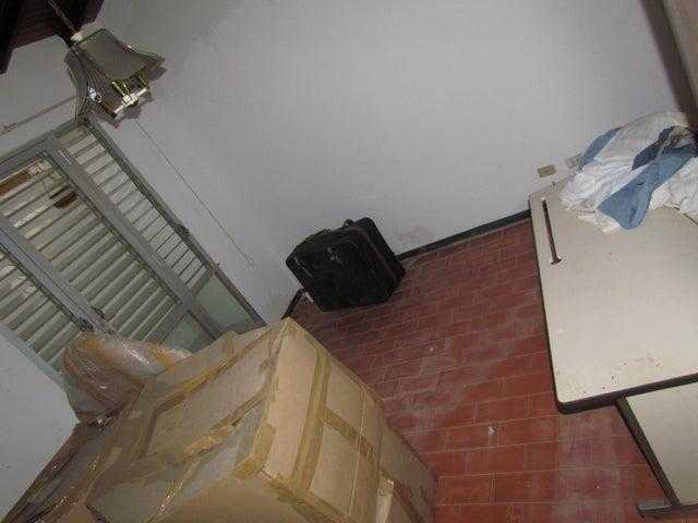 Casa Distrito Metropolitano>Caracas>La Boyera - Venta:200.000 Precio Referencial - codigo: 14-13544
