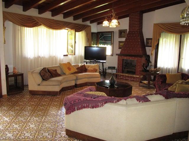 Casa Distrito Metropolitano>Caracas>Santa Paula - Venta:372.729.000.000 Precio Referencial - codigo: 15-73