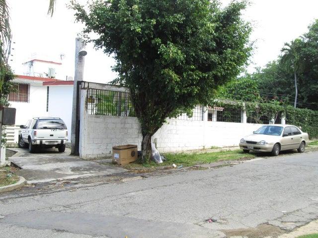 Casa Vargas>Parroquia Caraballeda>Caribe - Venta:122.145.000.000 Precio Referencial - codigo: 15-181