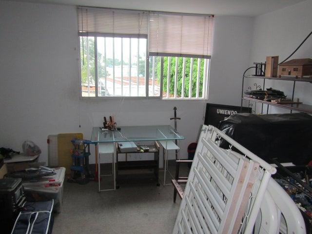 Casa Distrito Metropolitano>Caracas>La Florida - Venta:171.136.000.000 Precio Referencial - codigo: 15-198