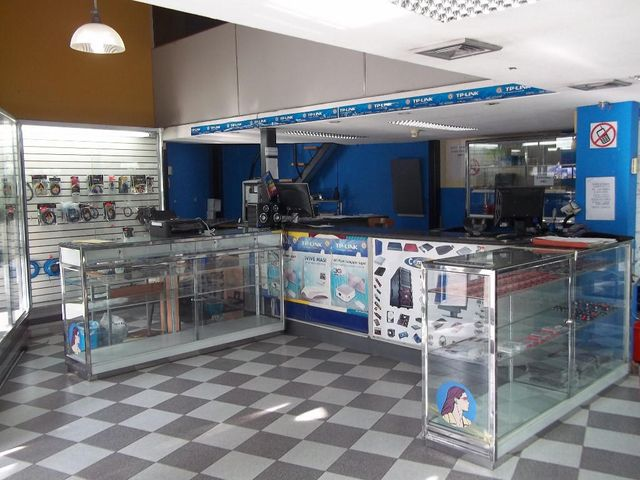 Local Comercial Distrito Metropolitano>Caracas>Altamira Sur - Venta:312.972.000.000 Precio Referencial - codigo: 15-211