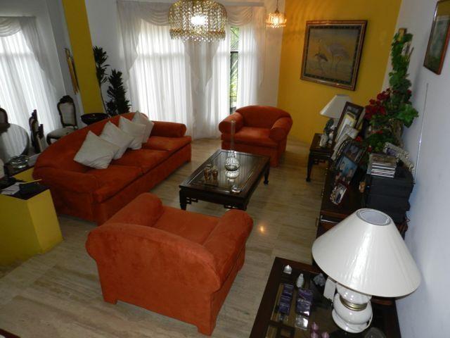 Casa Distrito Metropolitano>Caracas>La Lagunita Country Club - Venta:92.306.000.000 Bolivares - codigo: 15-251