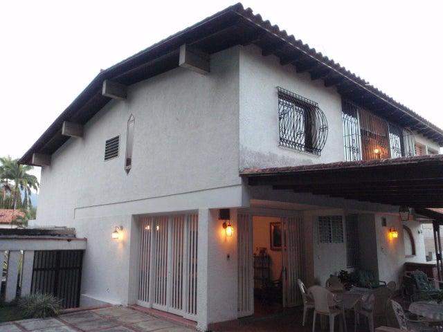 Casa Distrito Metropolitano>Caracas>Santa Paula - Venta:331.272.000.000 Precio Referencial - codigo: 15-323
