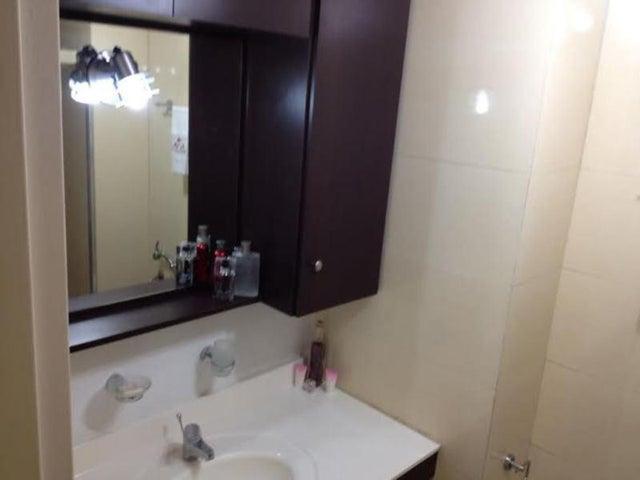 Apartamento Distrito Metropolitano>Caracas>Villa Nueva Hatillo - Venta:29.610.000.000 Bolivares Fuertes - codigo: 15-405