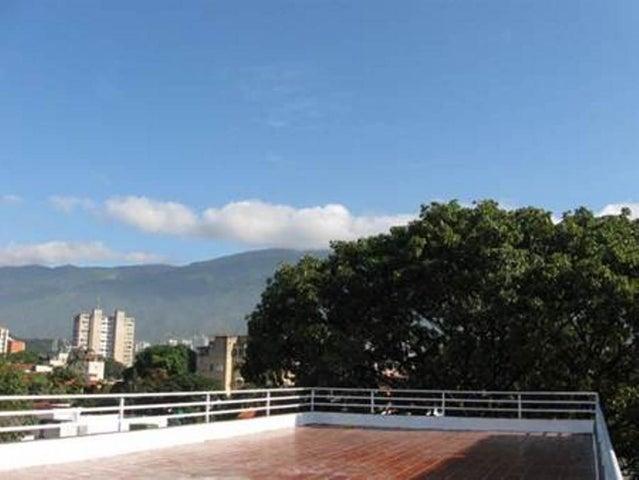 Industrial Distrito Metropolitano>Caracas>Los Chaguaramos - Venta:630.254.000.000 Precio Referencial - codigo: 15-410
