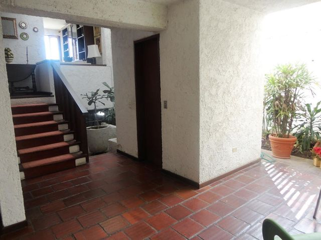 Casa Distrito Metropolitano>Caracas>Prados del Este - Venta:161.509.000.000 Bolivares - codigo: 14-7906
