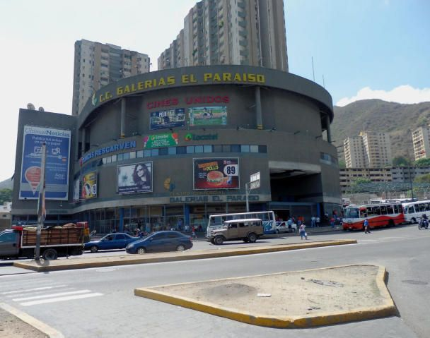 Local Comercial Distrito Metropolitano>Caracas>El Paraiso - Venta:15.841.000.000 Precio Referencial - codigo: 15-656