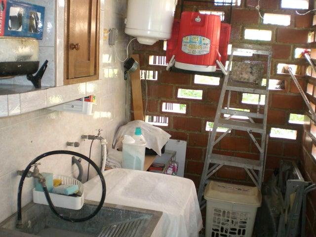 Apartamento Miranda>Guarenas>Nueva Casarapa - Venta:11.182.000.000 Precio Referencial - codigo: 15-710