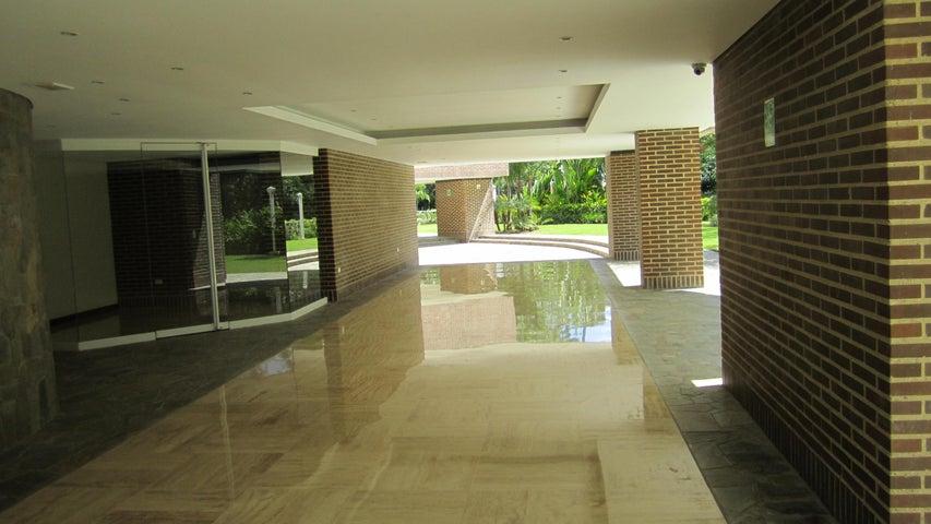 Apartamento Distrito Metropolitano>Caracas>Los Chorros - Venta:248.949.000.000 Bolivares Fuertes - codigo: 15-817