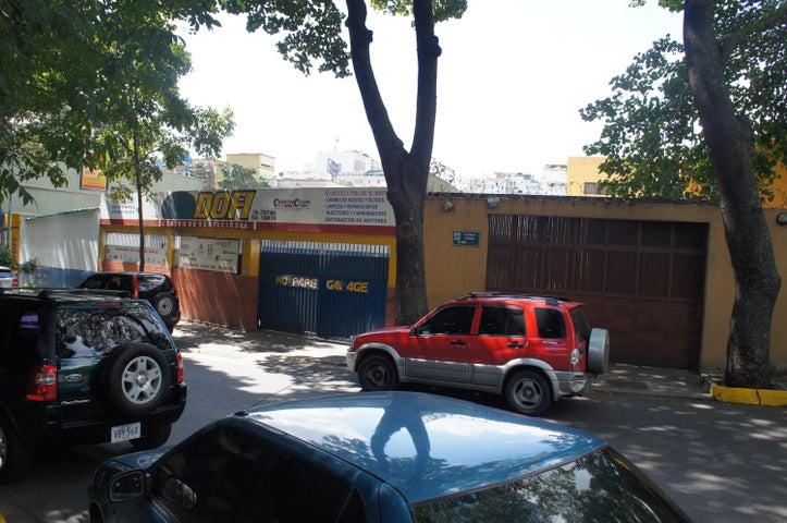 Terreno Distrito Metropolitano>Caracas>El Bosque - Venta:451.413.000.000 Precio Referencial - codigo: 15-856