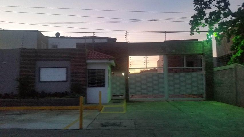 Townhouse Zulia>Maracaibo>Los Olivos - Venta:40.000  - codigo: 15-995