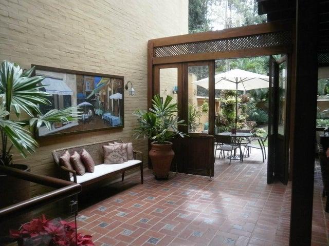 Casa Distrito Metropolitano>Caracas>La Boyera - Venta:350.000 Precio Referencial - codigo: 15-1164