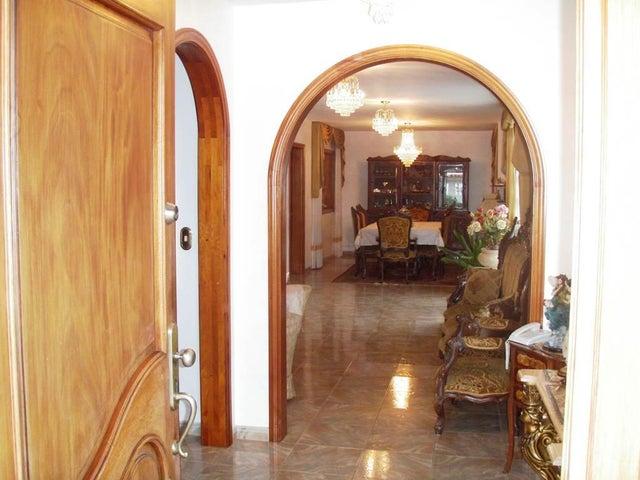 Casa Distrito Metropolitano>Caracas>El Cafetal - Venta:92.091.000.000 Bolivares Fuertes - codigo: 15-1172