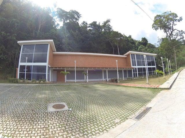 Local Comercial Distrito Metropolitano>Caracas>Parque Caiza - Venta:10.575.000.000 Bolivares - codigo: 15-1202