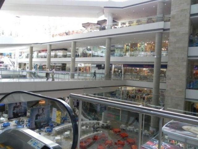 Local Comercial Distrito Metropolitano>Caracas>Los Dos Caminos - Venta:57.721.000.000 Precio Referencial - codigo: 15-1203