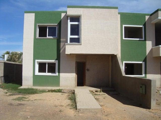 Townhouse Falcon>Punto Fijo>Casacoima - Venta:9.253.000.000 Bolivares - codigo: 15-1298