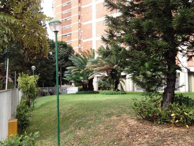 Apartamento Distrito Metropolitano>Caracas>El Marques - Venta:78.243.000.000 Precio Referencial - codigo: 15-1304