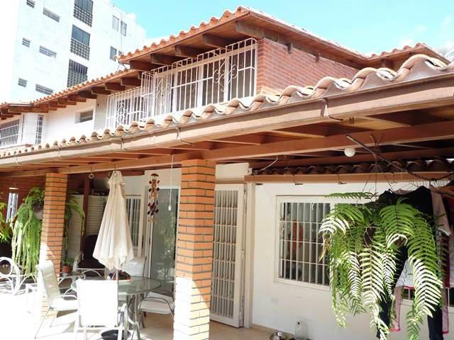 Casa Distrito Metropolitano>Caracas>Cumbres de Curumo - Venta:350.000 Precio Referencial - codigo: 15-1558