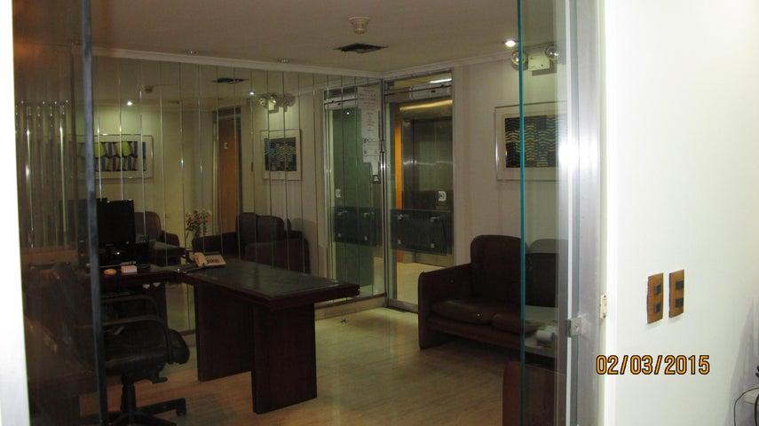 Oficina Distrito Metropolitano>Caracas>Altamira - Venta:184.183.000.000 Bolivares - codigo: 15-1551