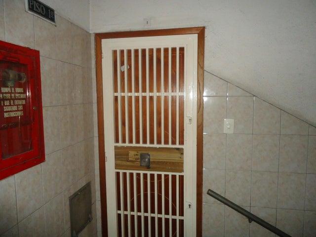 Apartamento Distrito Metropolitano>Caracas>Parroquia La Candelaria - Venta:125.782.000 Precio Referencial - codigo: 15-1766