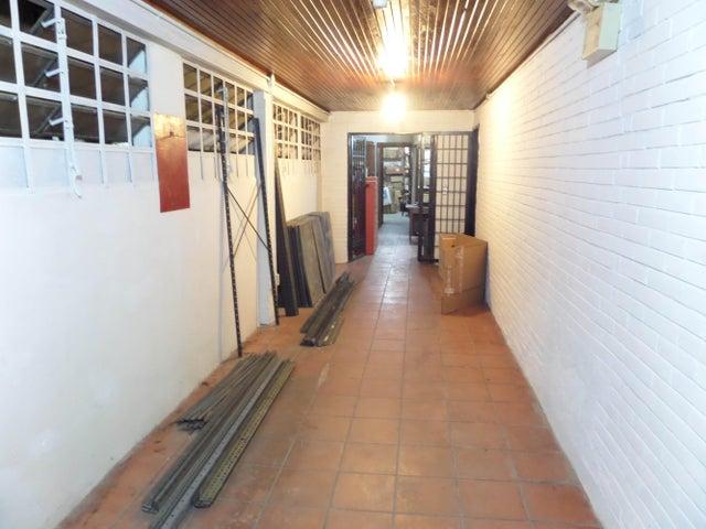 Local Comercial Distrito Metropolitano>Caracas>Montecristo - Venta:152.681.000.000 Bolivares - codigo: 15-1989