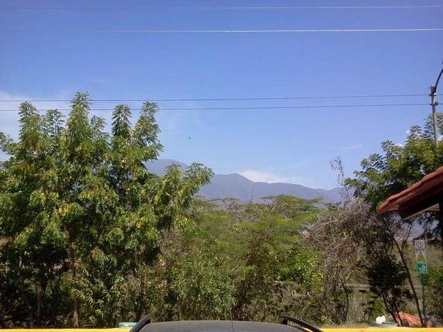 Townhouse Miranda>Guarenas>Nueva Casarapa - Venta:7.896.000.000 Bolivares - codigo: 15-1991