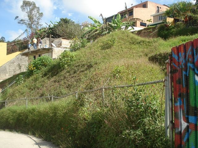 Terreno Distrito Metropolitano>Caracas>Los Guayabitos - Venta:12.407.000.000 Bolivares - codigo: 15-2148