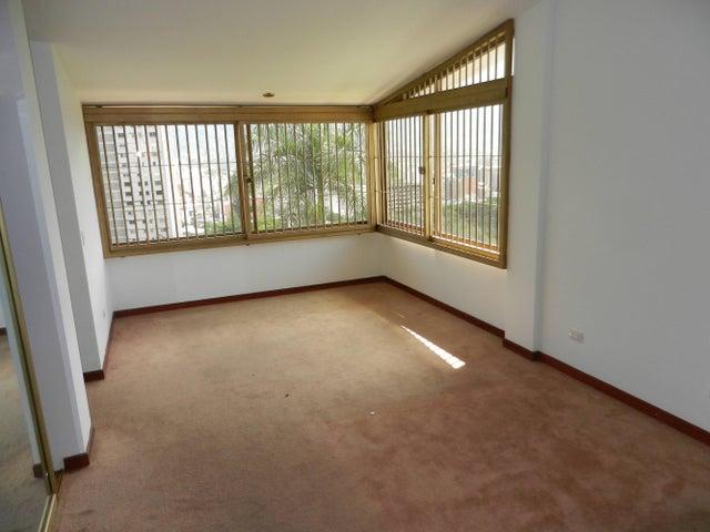 Casa Distrito Metropolitano>Caracas>Chulavista - Venta:427.508.000.000 Precio Referencial - codigo: 15-2186