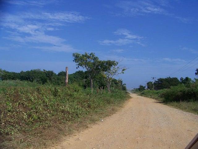 Terreno Miranda>Higuerote>Higuerote - Venta:2.309.000.000 Bolivares - codigo: 15-2191