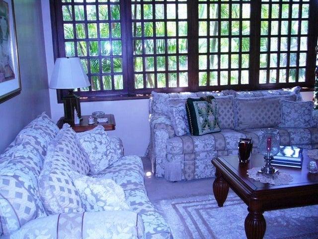 Casa Zulia>Maracaibo>La Lago - Venta:138.800.000.000 Bolivares Fuertes - codigo: 15-2250