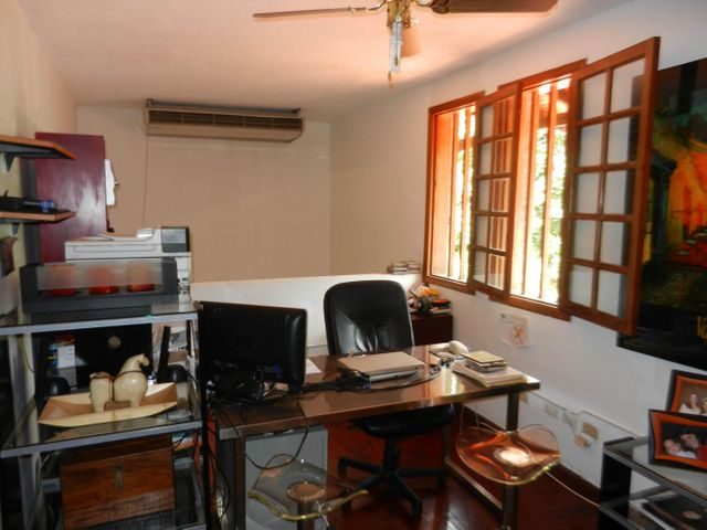 Casa Distrito Metropolitano>Caracas>Los Palos Grandes - Venta:652.275.000.000 Precio Referencial - codigo: 15-2288