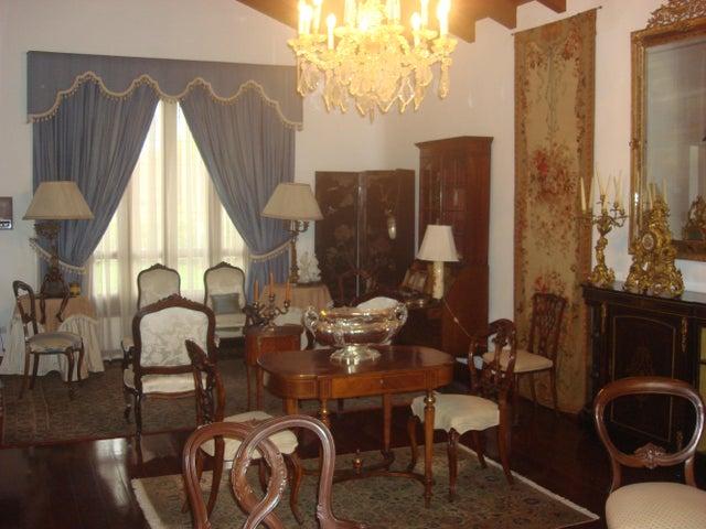 Casa Distrito Metropolitano>Caracas>Lomas del Mirador - Venta:630.254.000.000 Precio Referencial - codigo: 15-2831