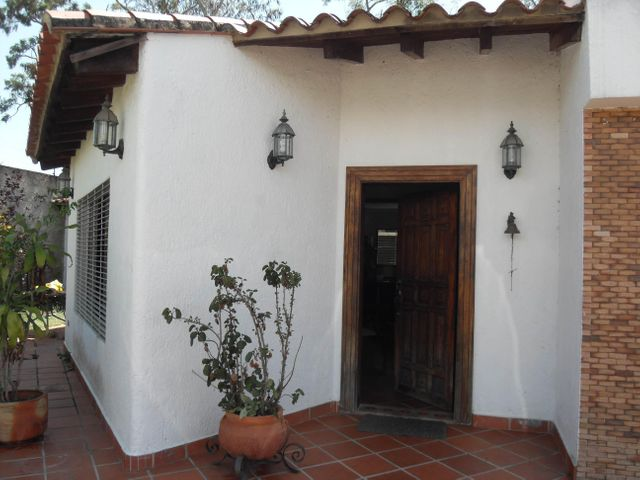 Casa Carabobo>Valencia>Guataparo - Venta:2.400.000.000 Bolivares - codigo: 15-2404