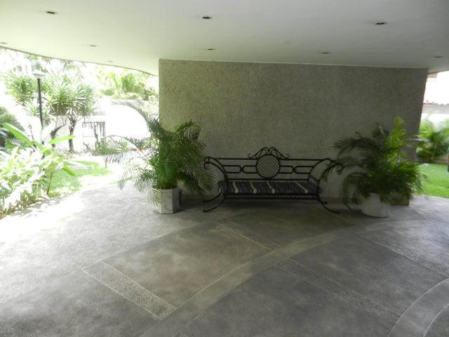 Apartamento Distrito Metropolitano>Caracas>Los Naranjos de Las Mercedes - Venta:106.877.000.000 Precio Referencial - codigo: 15-2540