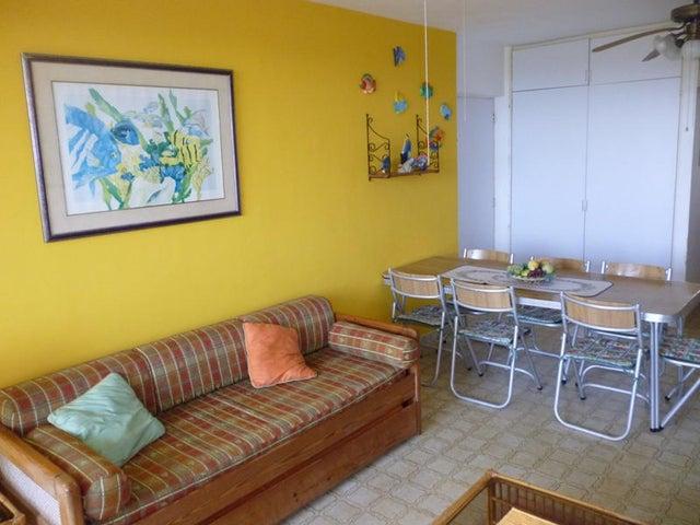 Apartamento Miranda>Rio Chico>Los Canales de Rio Chico - Venta:15.402.000.000 Precio Referencial - codigo: 15-2670