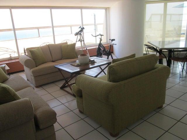 Apartamento Vargas>Catia La Mar>Playa Grande - Venta:67.087.000.000 Bolivares Fuertes - codigo: 15-2838