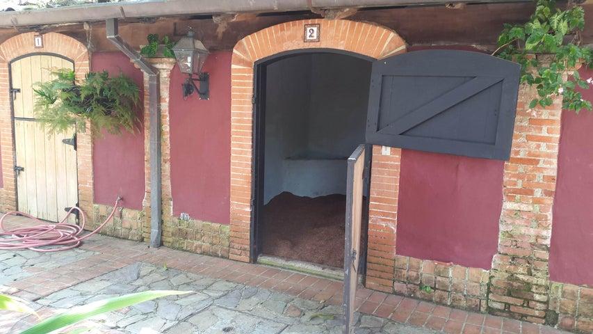 Casa Distrito Metropolitano>Caracas>Parque Caiza - Venta:322.320.000.000 Bolivares - codigo: 15-2851